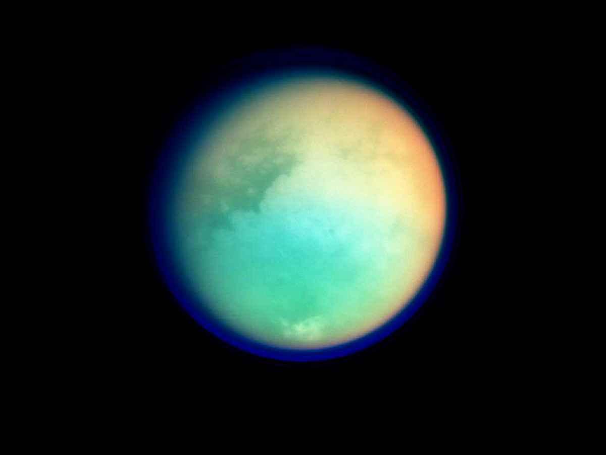 титан фото планета